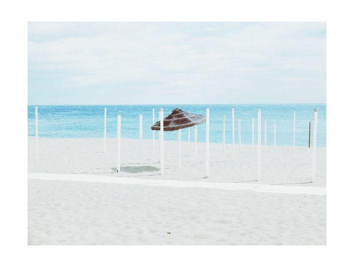 Taking Photos Relaxing Onthebeach Beach Beach Photography Sea Sea And Sky Quiet Moments Quiet Places Landscape Beach Umbrella First Eyeem Photo Eye4photography  Paseo Maritimo Bambina