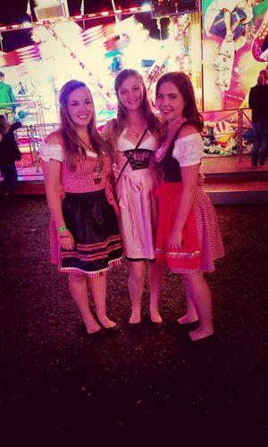 Dirndl Oktoberfest 2014 Taking Photos ♡