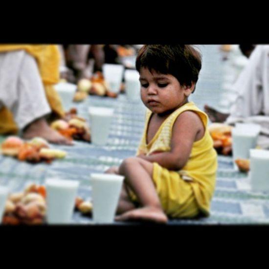 . از دیدگاه من زیباترین بخش روزه داری لذت گذشتن از لذتهای زمینی به امید جلب رضایت عشق حقیقی است . . . . Islam Fast Ramadan  Love Navidkamali نوید_کمالی Nkamali_ir خدا Instadaily InstaH