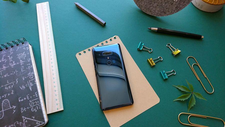 New HTC U12+ #photography #phone Polska Poland High Angle View Studio Shot Close-up