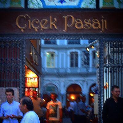 Taksim Pera Beyoğlu Istiklal cadde çicekpasajı cicekpasaji