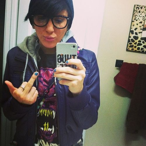 Feeling dykish today! Fauxspecs Krewellatee Purphoodie Beanie fakyew thuglife butchbitch errands bored allbymyselfie wudupbitches ?????