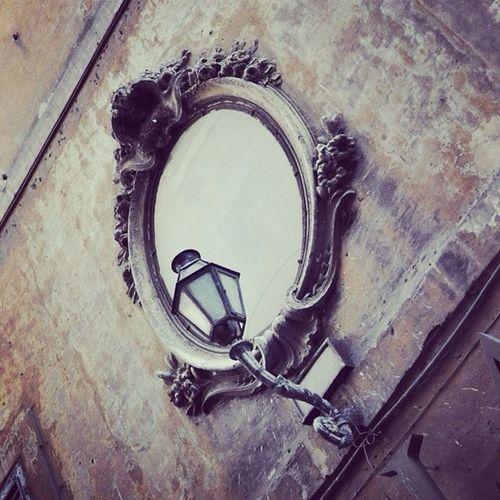 Streetphotography SnowWhite mirror's