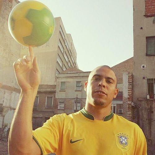 Nw - Ronaldo De Lima on @youtube. CrazySkills Footballgenius Brazil Legend ElPhenomenon Football Soccer .