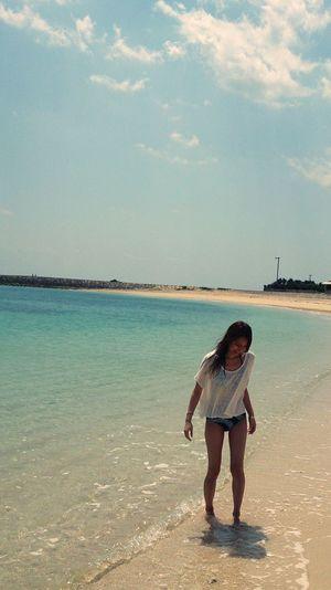 Traveling Beach Okinawa Japan Woman H&M Fashion Beachwear