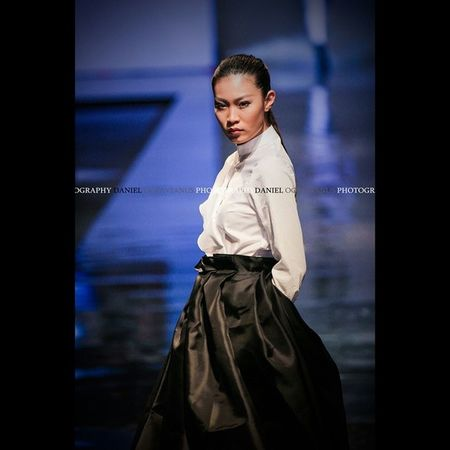 Taken by Me with 650d Lens by Canon Lseries Catwalk Candid Fashion Design Festival Esmod Event Instagram Instagood Instafashion Instadaily Tagsforlike Likeforlike Exposure Composition Model Girl Photography Photos Style