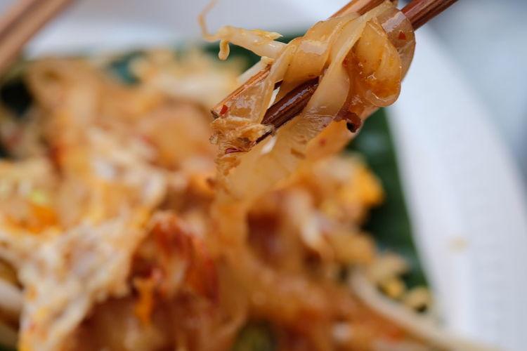 Close Up Close-up Focus On Foreground Focus On Macro Beauty No People Pat Thai Selective Focus Street Food Tasty Thai Food Thai Noodle Thai Noodle Style Thai Street Food Yummy ก๋วยเตี๋ยว ผัดไทย