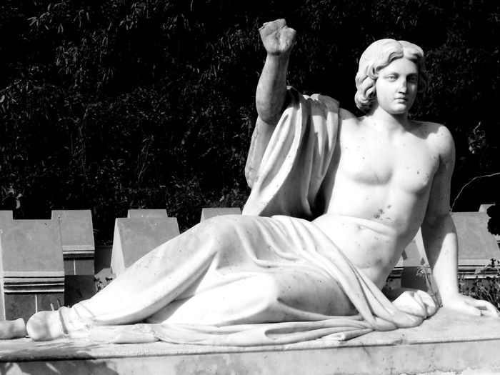 I had to give my hand for creating history!! Sculpture Black And White Black And White Sculpture
