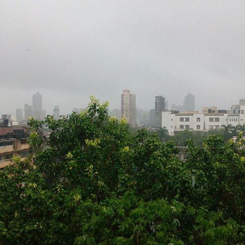 Raining Monsoon Hottea VadaPav mumbai incredibleindia