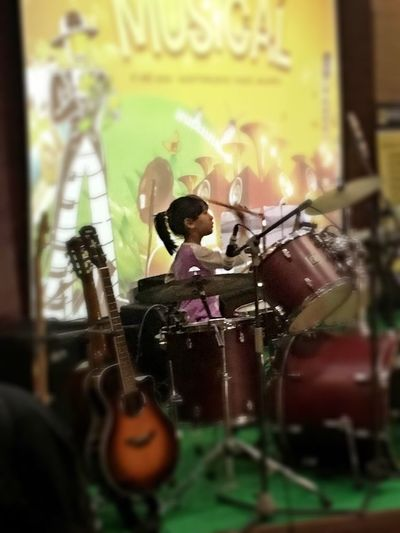 The Photojournalist - 2016 EyeEm Awards Beat the world my daughter , make a peaceful with your music. This is my 6 years old daughter ... Musician Kids Photography DrummerGirl Indonesian Girl Drummer Girl