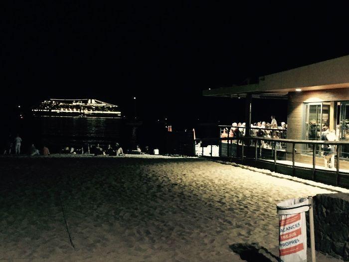 Creative Light And Shadow Msc Croisiere Sud Mer Restaurant People Eat Côte D'Azur Feu D'artifices