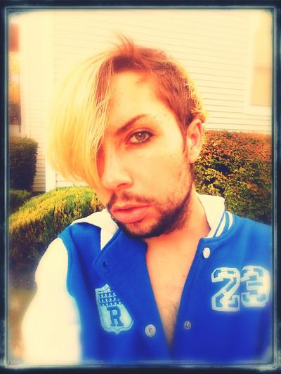 Yep I look damn good. All except for the fact that I desperately need a haircut lol. Sexyboy EyelineronguysisHot Wholenewlook Hairneedsacut Longhair BlondeIsFading Gotta Be The Best Hellacool Yeahthatsme