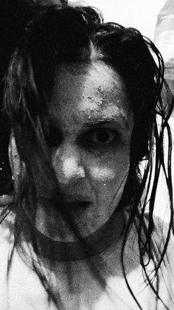 Yess İ'm zombie in nigths.. Harrow Hi! That's Me Relaxing Hello World Blackandwhite Halloween Halloween Horrors Horror Photography Makeup Makeupartist Creativity Nightmare Hello World Enjoying Life