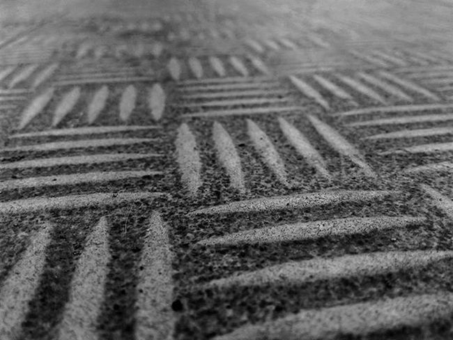 Pattern of street @mataponsel @gadgetgrapher_riau @gadgetgrapher_kepri Pattern Bnw Mp_bnw Mp_pattern Gg_telusurriau Gg_telusurkepri_