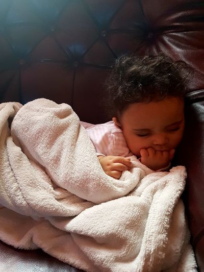 Hanging Out Taking Photos My Daughter ♥ My Youngest Naping