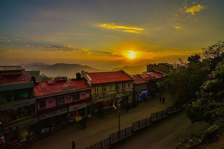 Beautiful shimla sunset Colorful Sunset Shimla Simla Shivalik Sun Himalaya Himachalpradesh Indianhimalayas Like Comment Instagram Mountain Clouds India Traveldairies Traveller Wanderer Nikon Tokina Photography D610 Ankitdogra