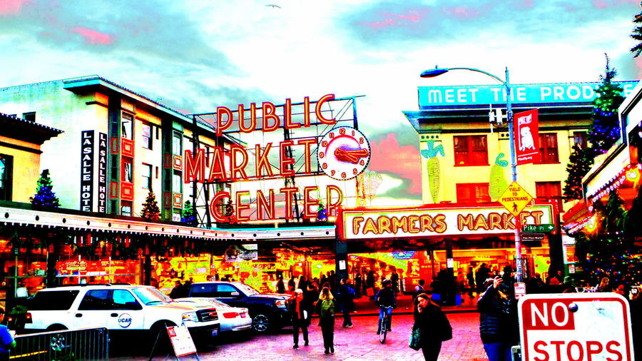 Seattle Colorized Colorsplash Downtown Historical Sights People Pike Place Market PikePlaceMarket Seattle Shopping Showcase: December Urban Landscape Urbanlife Urbanphotography