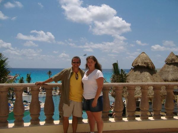 Connected By Travel Heterosexual Couple Two People Togetherness Vacations Adults Only Summer Love Outdoors Full Length Sky Adult Cloud - Sky Couple - Relationship Day People Sea Standing Men Happiness Meeting Friends New Friends Friends Forever! Cancun
