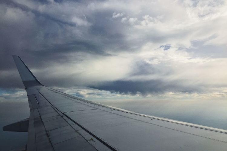 Ready to Travel ? Airplane KLM Flying Clouds