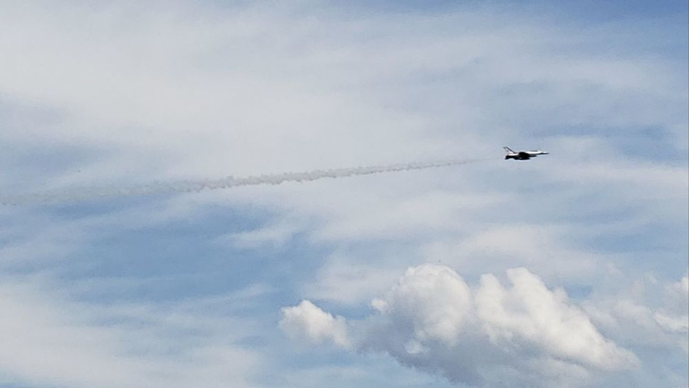Thunderbirds, Air Show, Aviation Vapor Trail Airshow Airplane Aerobatics Flying Fighter Plane Air Vehicle Plane Sky Cloud - Sky Military Airplane Formation Flying Acrobatic Activity Air Force US Air Force Moving Military