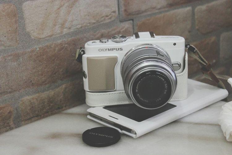 私のカメラ。 My camera. Camera White