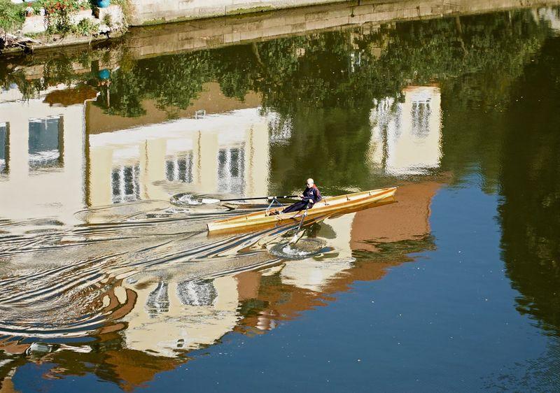 Der einsame Ruderer auf der Saale Architecture Barco Boat Boot Fluss Leisure Activity Outdoors Person River Saale Transportation Water Waterfront