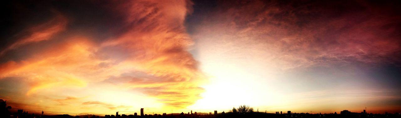 Uno de esos. Gdl Jalisco Mexico Sunset Clouds Nubes Atardecer