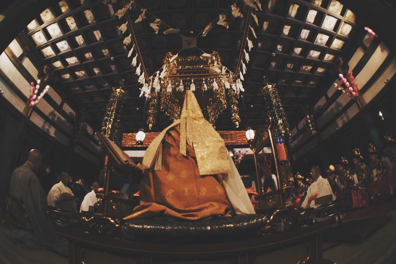 Low Angle View Spirituality Religion Place Of Worship Statue Travel Destinations Human Representation Gold Colored Architecture Sculpture Indoors  Faith No People Fish-eye Lens 東京カメラ部 Photoshoot EyeEm Best Shots Light And Shadow Beautiful 日本 Low Angle View EyeEmBestPics EyeEm People Connection