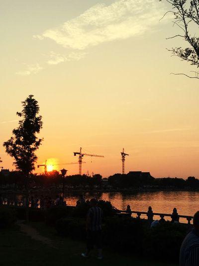 傍晚.龙亭湖畔