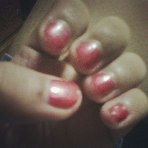 Painting our nails atm. Here at @nxcxlx_'s with @jalybee ? Toogirly