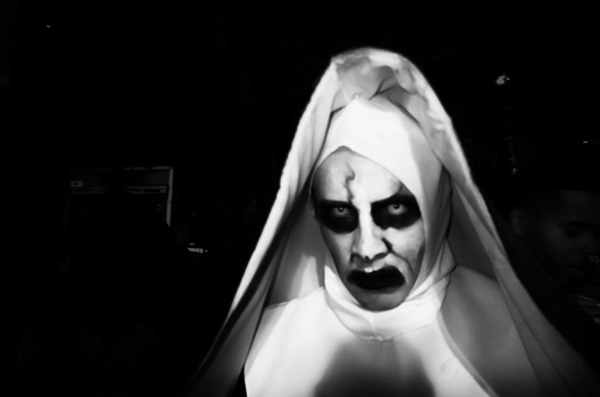 Black & White Black And White Black Background Blackandwhite Eye4photography  EyeEm Best Shots Halloween New York Phoyography Spooky Street Street Photography Streetphotography The Week Of Eyeem