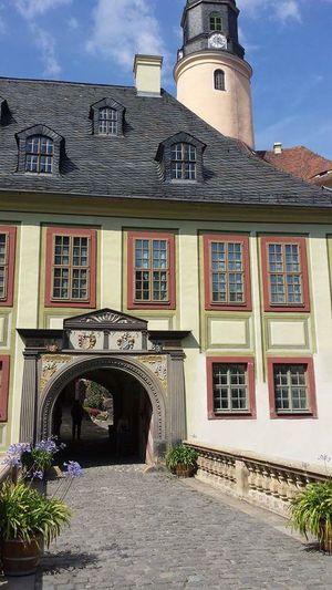 Schloss Weesenstein Sachsen Beautiful Building  History Historical Building Torbogen Intresting Taking Photos