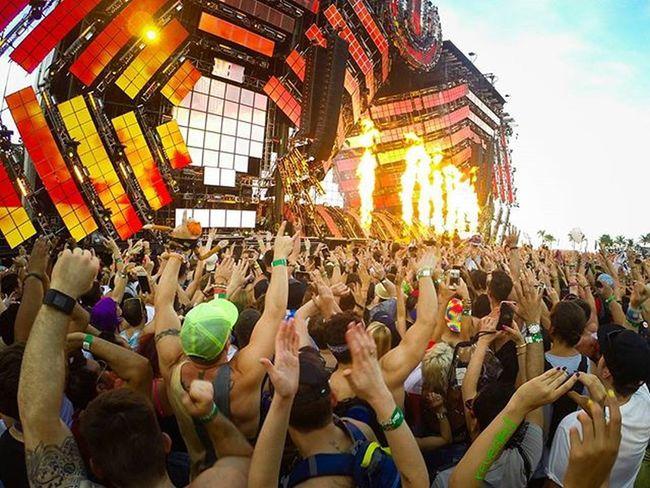 "DJ said ""Hands UP!!!"" 🙋💥🙌💥 ➖➖➖➖➖➖ One week in Miami. One hell of a crew. Cheers 🍻 ➖➖➖➖ Gopro Ultra Ultramusicfestival Miami Edm Goprooftheday Dj Rave Housemusic Tomorrowland Tomorrowworld Carnage Papigordo UMF Umfmiami Umf2016 Davidguetta Avicii Fire Trap Edmlife Edmlifestyle Gryffin Deephouse Hardwell kaskade wandw dvbbs gopromusic epic"