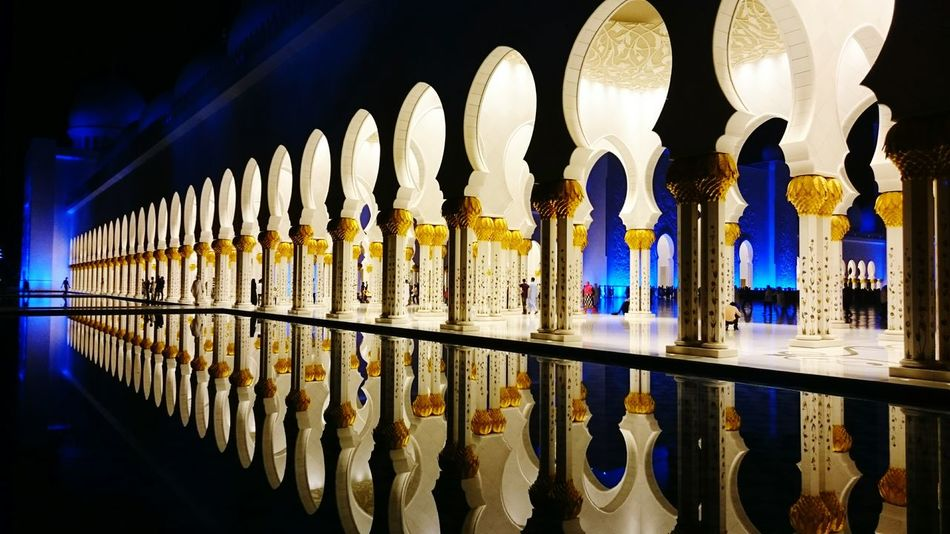 Whitemosque Abudhabi UAE EyeEmNewHere No People Indoors  Architecture Refection In The Water Reflection Calm Sophisticated