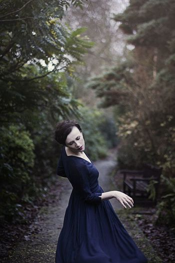 Secret Garden Nature Portrait Selfportrait Artistic Photography Retro Styled People Bokeh Women Canon Portrait Of A Woman Atmosphere Artphotography Woman Portraiture The Week Of Eyeem