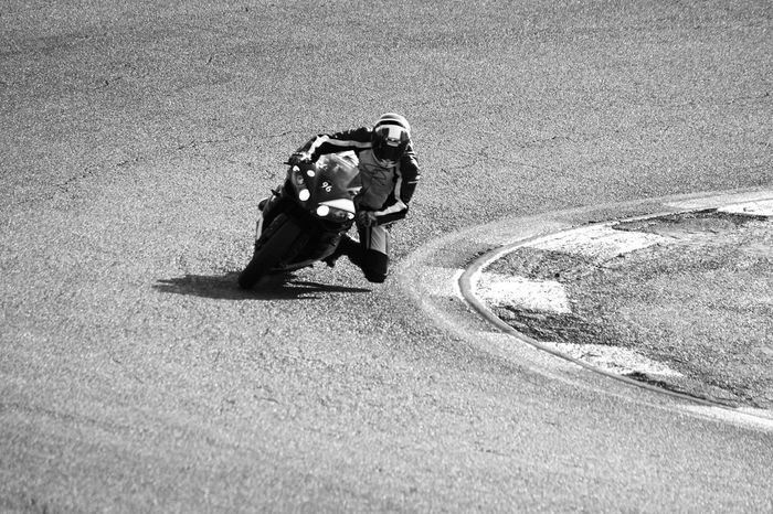 Outdoors Day Adults Only Canon EOS700D Canonphotography Scenics Adult Adults Only Black&white Desaturated Motocycle Motorsport Circuit Circuitofjarama Circuito Del Jarama Madrid Spain Jarama Yamaha Yamaha R1 YamahaR1 Yamaharacing Yamaha EyeEmNewHere