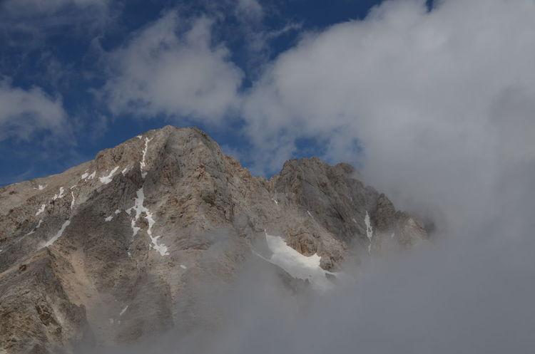 Abruzzo Beauty In Nature Cloud Cloud - Sky Gran Sasso Gran Sasso D'Italia Italia Italy Landscape Mountain Mountain Range Nature No People Outdoors Sky The Great Outdoors - 2017 EyeEm Awards