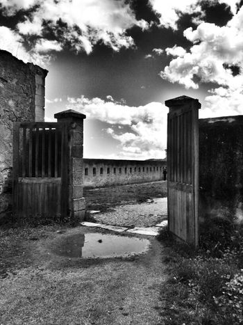 ...... Citadelle de Corte Bnw_friday_challengeyeem Le Contre Jour