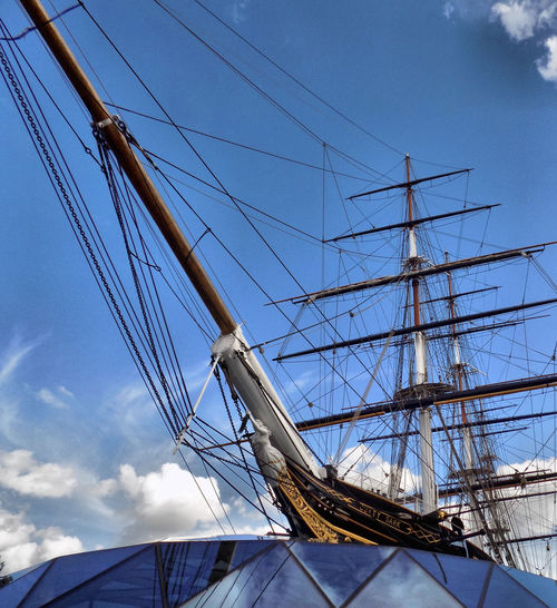 Cutty Sark - Greenwich Cutty Sark Greenwich Cutty Sark Greenwich Ship Clipper Ship Sky Blue Sky Clouds Nautical Vessel Tall Ship Cable Sky Cloud - Sky Moored Boat
