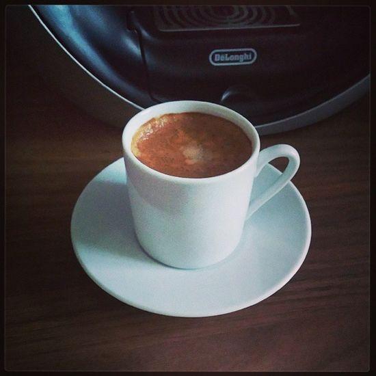 Erstmal einen Doppelten Espresso. Espresso Lecker FR ühstück