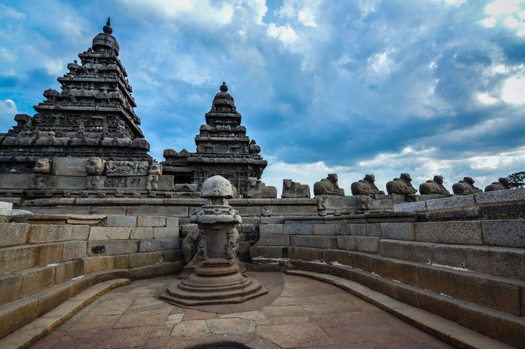 Scenics Sea Seascape Shore Sky Travel Destinations Temple Seashoretemple Tamilnadu, India Heritagesite Indiatourism Architecture Ancient Non-urban Scene Mahabalipuram, India Templegate Vacations Ancient Architecture India