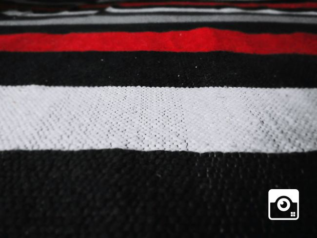 Colourstagram Colours Of Life Red White Black Bedsheet DEEPFOCUS Amazing View Eye4photography  EyeEm Looksgood Like4like Follow4follow Followme Welcome To Black EyeEmNewHere Millennial Pink