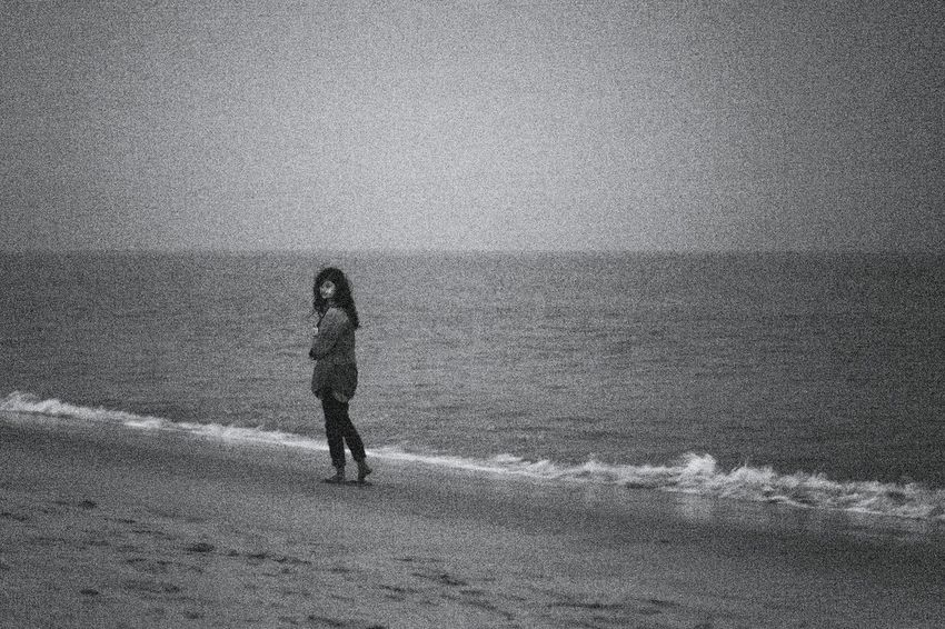 People Of The Oceans The Street Photographer - 2016 EyeEm Awards Enjoying Life Shootermag Night Lowlight Moon Moonlight Moon Light Moonlit Moonlit Night Sea Sea And Sky Beach Life Is A Beach Beach Life Beach Photography Relaxing The KIOMI Collection ISO 6400 Grainy Black And White Black & White Capturing Movement Monochrome Photography