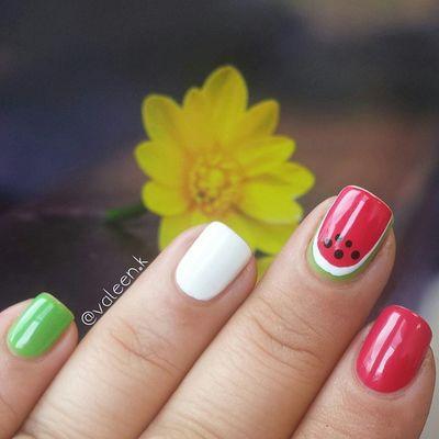 Essie Essiedeutschland Goodtogo Millionails Watermelon Vicesversa Licorice Essence Wildwhiteways Essienista 💅