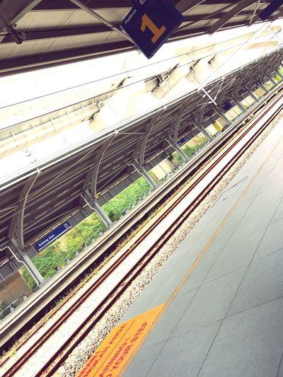 Trainlife Trainstation Train Traintracks Railwaystation Subangjaya Malaysia Waitingfortrain Platform