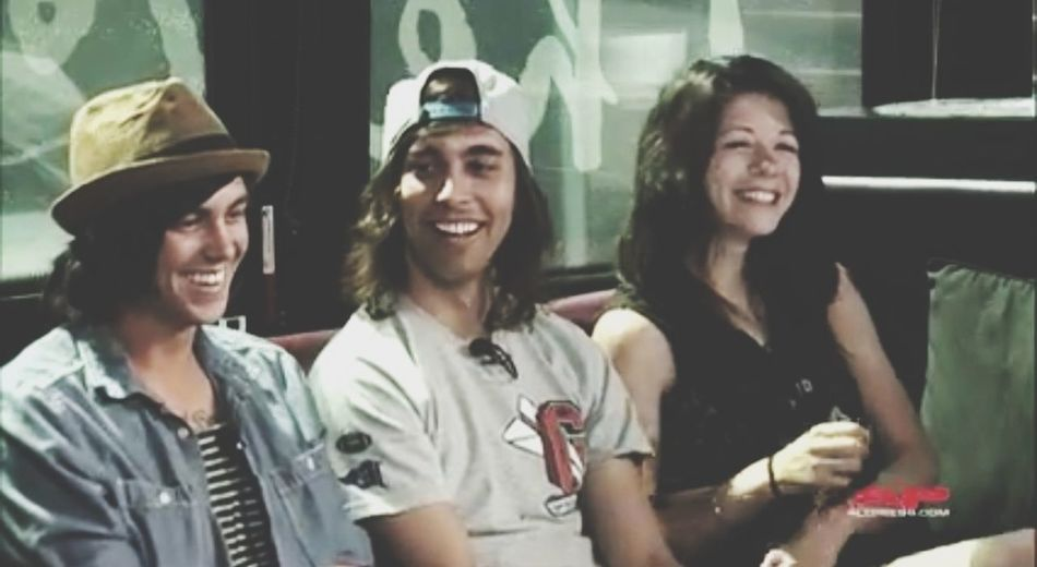 "Can I call this ""Heaven""? Kellin Quinn ✌ Tayjardine Vic Fuentes"
