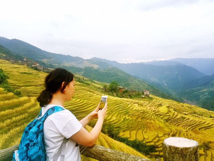 Mountain Rear View Mountain Range Rural Scene Tranquility Long Hair Person Tranquil Scene Beauty In Nature Casual Clothing Tourist Scenics Vacations Green Color Agriculture Getting Away From It All Farm Valley Straight Hair Non-urban Scene