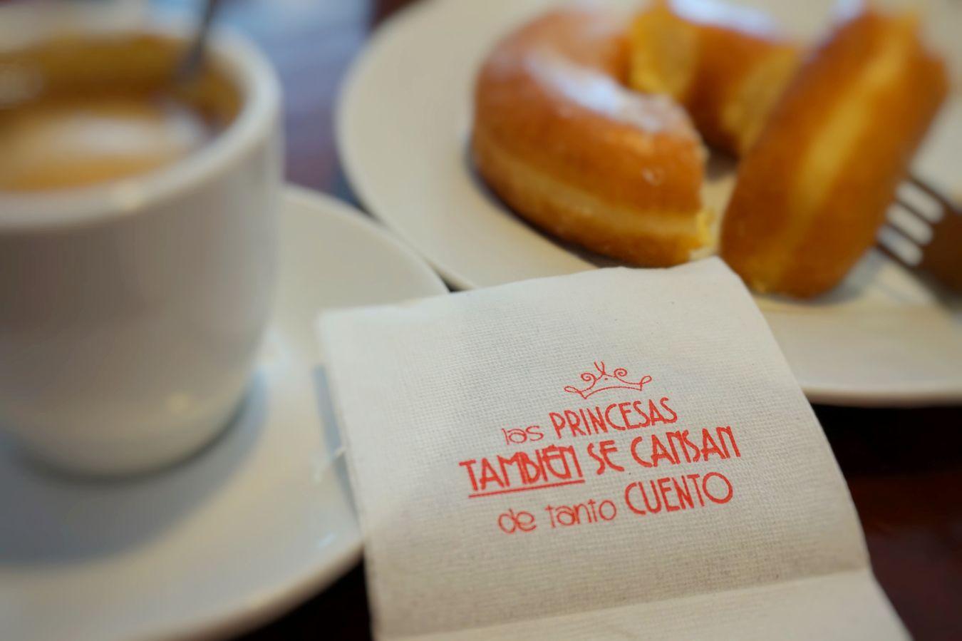 Spanish's breakfast with funny message Breakfast Donuts Message Napkin Serviette Short Story Spanish Food Spanish Phrase Story