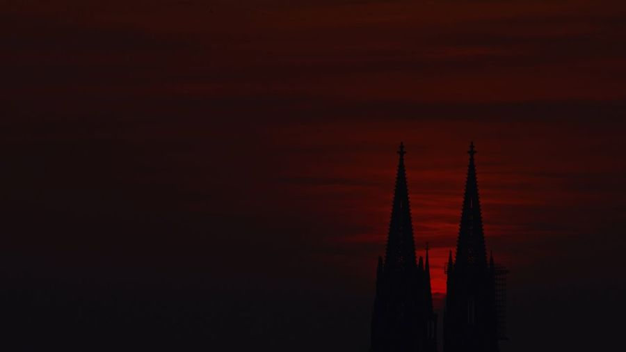 Kölner Dom im Sonnenuntergang Sonnenuntergang Köln, Germany Köln Sky Architecture Built Structure Sunset Tower No People Building Exterior My Best Photo