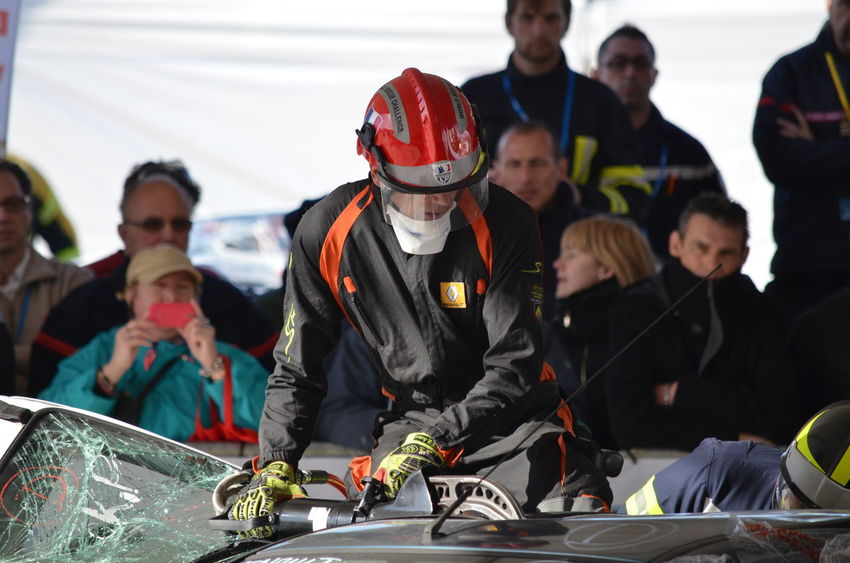 A La Rochelle a eu lieu le premier Challenge français du secours routier le 7 et 8 avril 2016. Cette compétition était composée de neuf équipes de pompiers venus de toute la France (Alpes-Maritimes, Drôme, Gard, Loire-Atlantique, Moselle, Yvelines, Vaucluse, Vienne et Charente-Maritime) et d'une équipe irlandaise. Challenge Competition Désincarcération La Rochelle, France Pompier Pompiers Sdis Secours Secours Routier